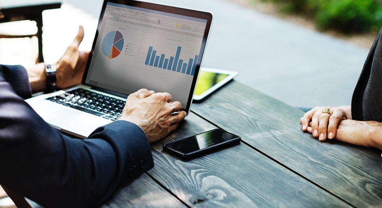 Na czym polega pomoc doradcy kredytowego?