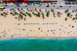 Jak oszczędzać na wakacjach? Poradnik