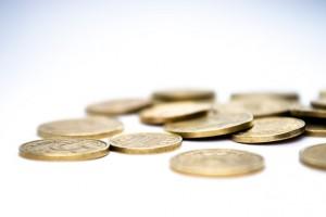 Jak skutecznie oszczędzać bez ograniczania wydatków?